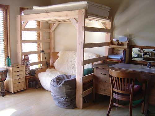 DIY Project: How to Make a Loft Bed for Your Dorm Room | HomeJelly