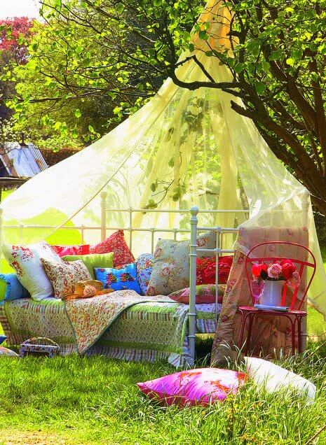 Quaint cozy quarters homejelly - Cozy outdoor living spaces connecting mother nature ...