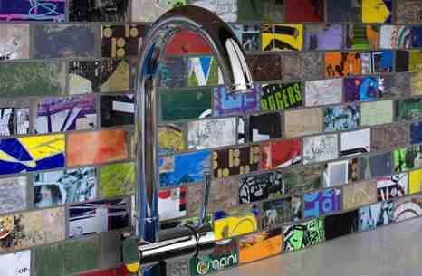 Skateboard backsplash