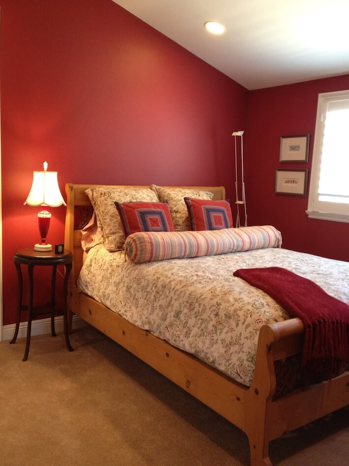 Bedroom ideas on pinterest lime green bedrooms red for How to decorate a red bedroom