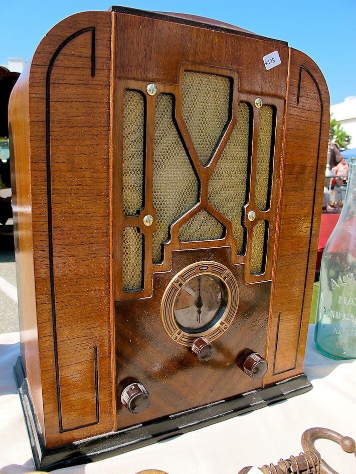 1930s era radio