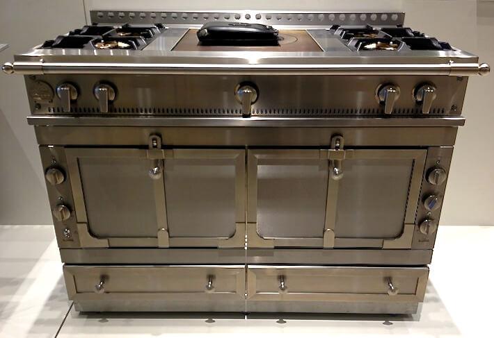 La Cornue Ranges Give Your Kitchen Antique Chic : HomeJelly