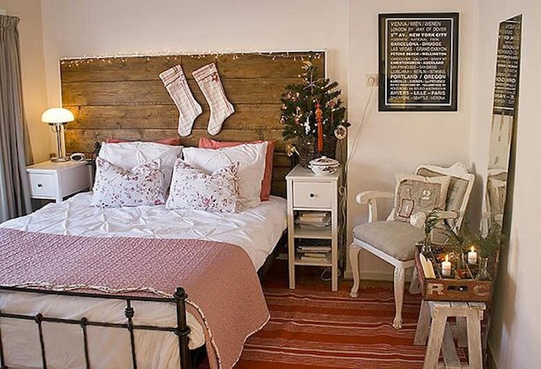 Room of the Day: Scandinavian Christmas Bedroom Santa Would Love ...