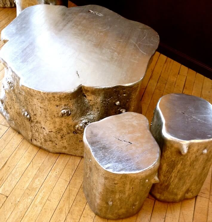 Interior decorating with tree stumps au naturel homejelly Silver trunk coffee table