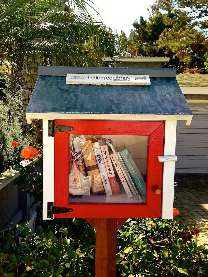 Manhattan Beach, CA has a new Little Free Library