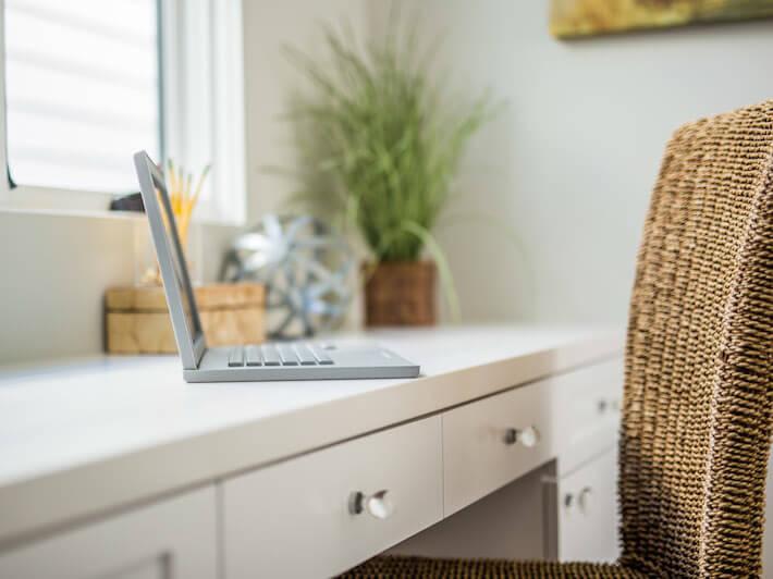 Kitchen office desk that's hidden so smartly