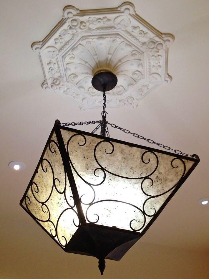 Original ceiling medallion detail