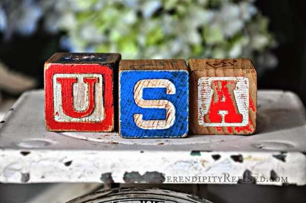 Vintage wood blocks USA 4th of july decor idea