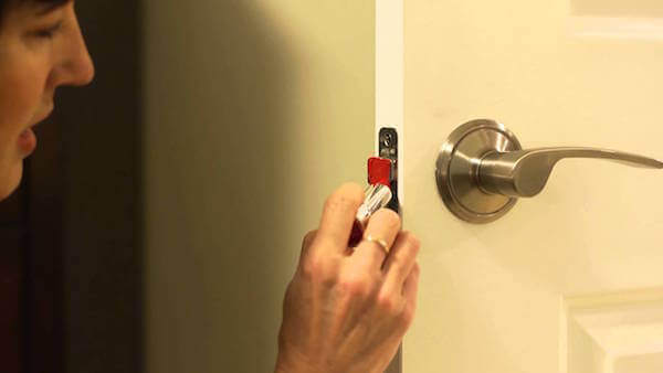 Home hack how to fix a door that won't latch