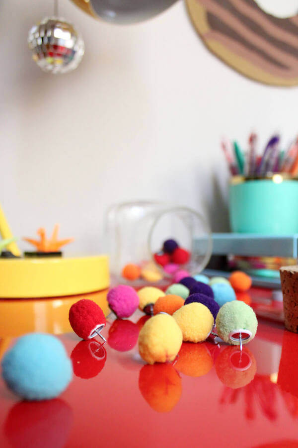 Diy pompom push pins