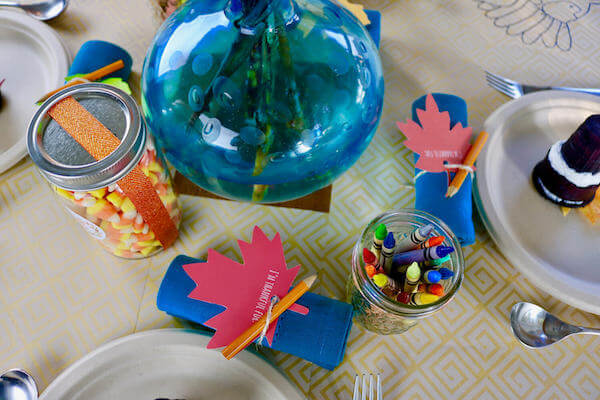 Everyone can say 'thank you' with these festive leaf napkin holders and can be hung on the centerpiece for everyone to see