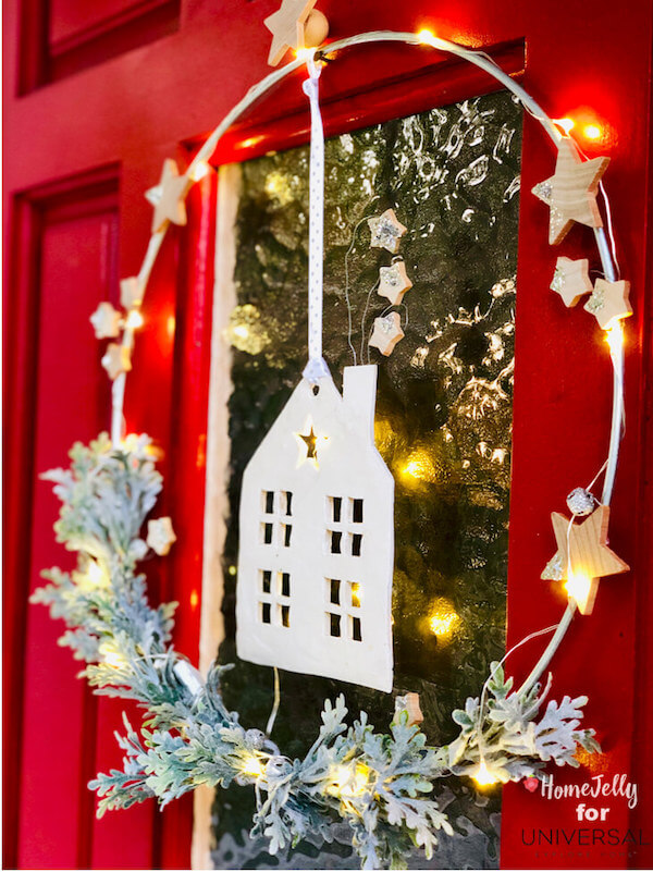 This lighted clay house holiday wreath will inspire starry nights to dream by!